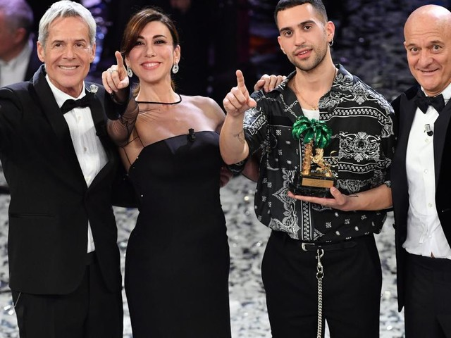 Sanremo, Mahmood si apre sugli insulti della sala stampa a Il Volo: 'Mi dispiace'