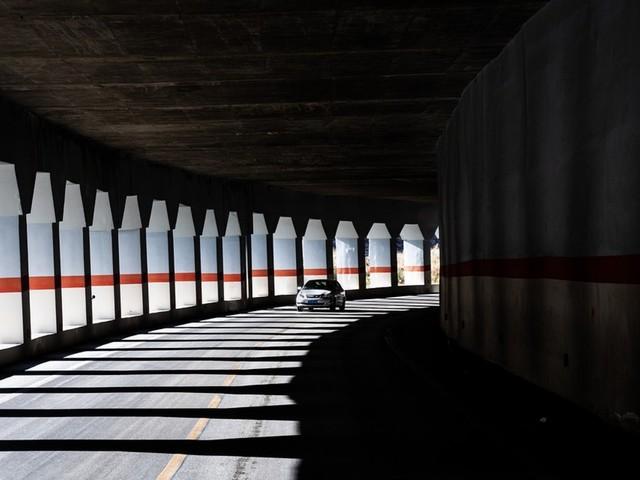 Lavagna: auto in fiamme in galleria sull'A12 direzione Livorno