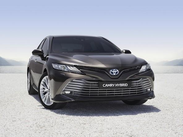 Toyota Camry, torna in Europa in versione ibrida