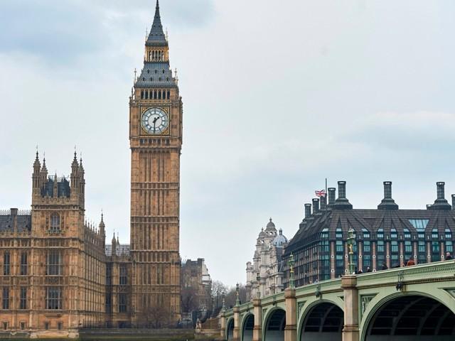 Regno Unito: la regina Elisabetta approva la sospensione del Parlamento