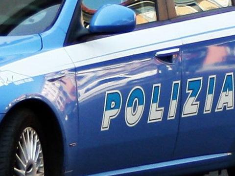 Roma, 22enne armato di coltello aggredisce l'ex fidanzata: arrestato