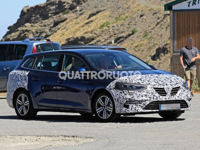 Renault Mégane - Restyling in arrivo per la wagon francese