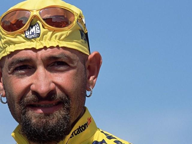 Ciclismo, oggi 16° anniversario dalla morte di Pantani: una messa questa sera a Cesenatico