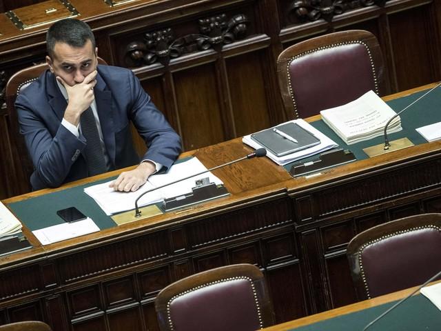"""Di Maio sfotte la Lega sull'autonomia: """"A vigilare sarà Napoli"""""""