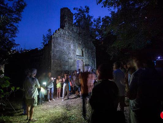 Quando l'Arte riscopre e salva la Storia: Plebem e il miracolo della chiesa di San Lorenzo all'Isola d'Elba
