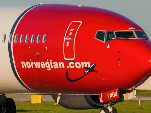 """Stampa inglese: """"I piloti Ryanair assunti dalla Norwegian Air"""". Ma la compagnia smentisce: """"Più di 2.500 piloti pronti a lavorare con noi"""""""