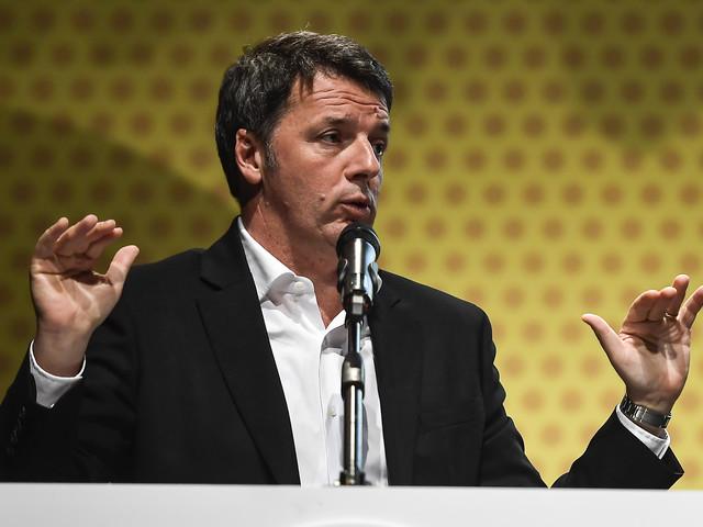 """Renzi ancora all'attacco del Pd: """"Riformista? Va a rimorchio del M5s"""""""