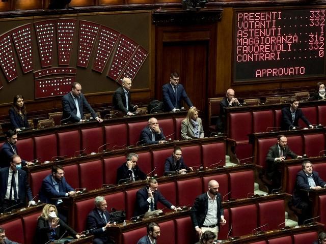 Green Pass bis, è legge: anche il Senato approva con 189 sì e 31 no. In tutto 78 non votanti: assenti ingiustificati Salvini e Renzi