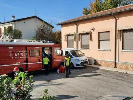 Mamma uccide le due figlie di 11 e 3 anni in casa famiglia: sparisce, ricerche nell'Adige