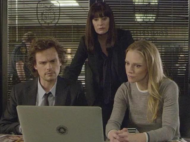 Criminal Minds 15 su Rai2, il Camaleonte in fuga e misteriose esplosioni negli episodi del 31 ottobre e 7 novembre