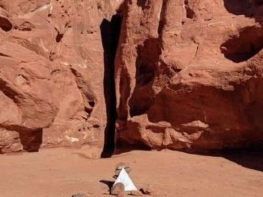 Il monolite nel deserto dello Utah è scomparso e nessuno sa che fine abbia fatto