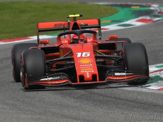 """LIVE F1, GP Singapore 2019 in DIRETTA: doppietta Ferrari! Vettel: """"Sono risorto""""; Binotto: """"Leclerc? Queste sono le corse"""""""