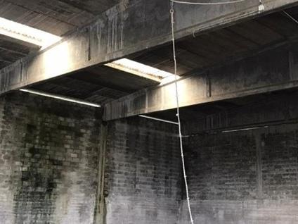 Filago, corda e uncino per rubare il rame Ladro si ingegna da 10 metri di altezza