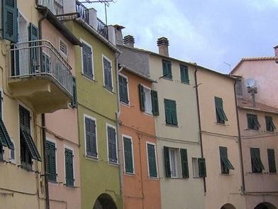 Varese Ligure: cosa vedere, il bio borgo e il castello