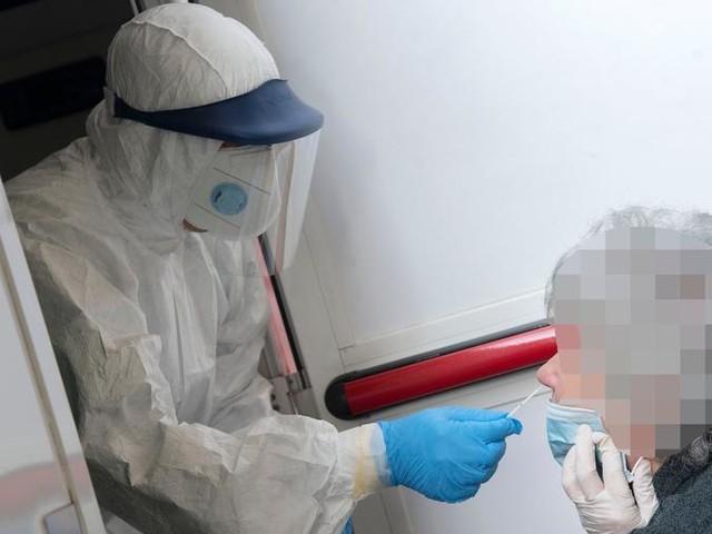Bollettino coronavirus, in Piemonte superati i 2000 nuovi contagi. Triplicati in casi nelle Rsa