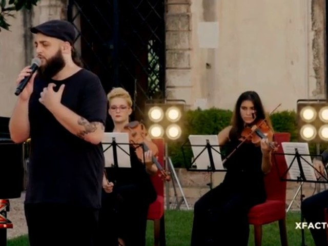 Video X Factor: Andrea Radice canta Quando di Pino Daniele