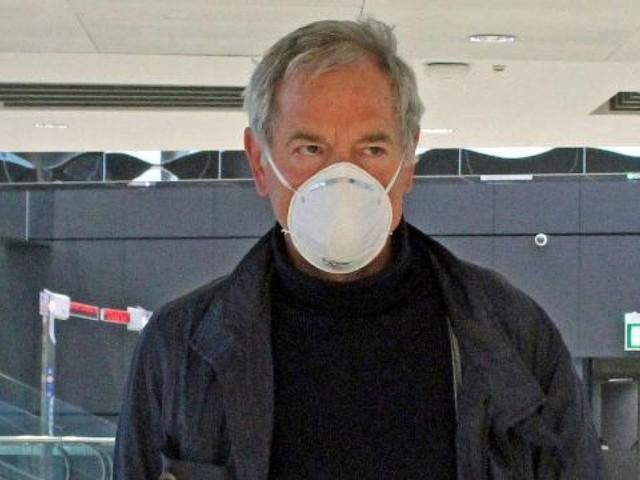 """Coronavirus, Guido Bertolaso dimesso dal San Raffaele dopo due settimane: """"Grazie a tutti, ora c'è tanto da fare"""""""