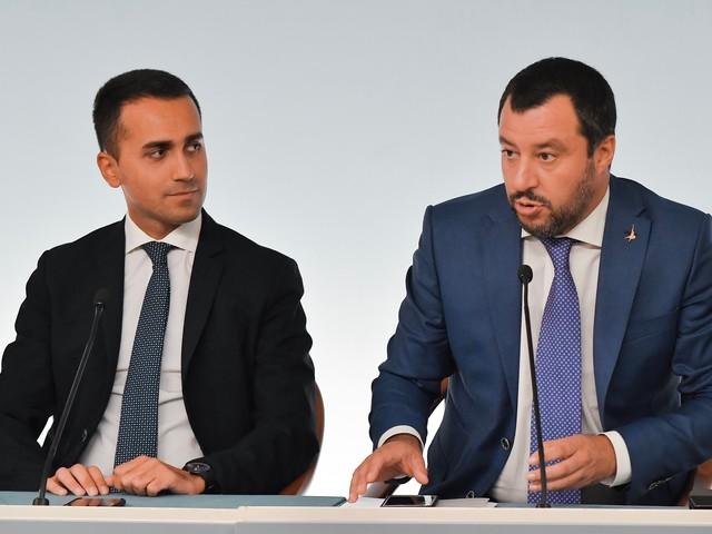 Inchiesta sulla Sea Watch Salvini e Di Maio litigano per chi è più indagato