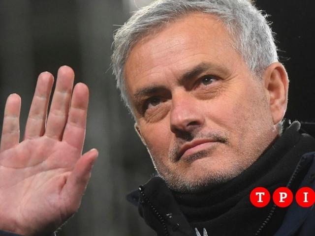 Josè Mourinho è il nuovo allenatore della Roma
