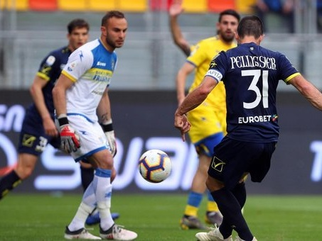 Frosinone e Chievo salutano la Serie A con un pari senza reti