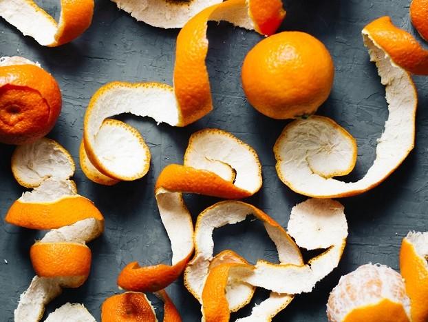 Bucce della frutta, cinque idee curiose e utili per riciclarle in casa e in cucina