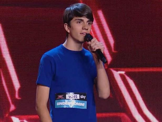 Carote, la hit trap di X Factor 2019 cantata da Emanuele Crisanti in arte Nuela