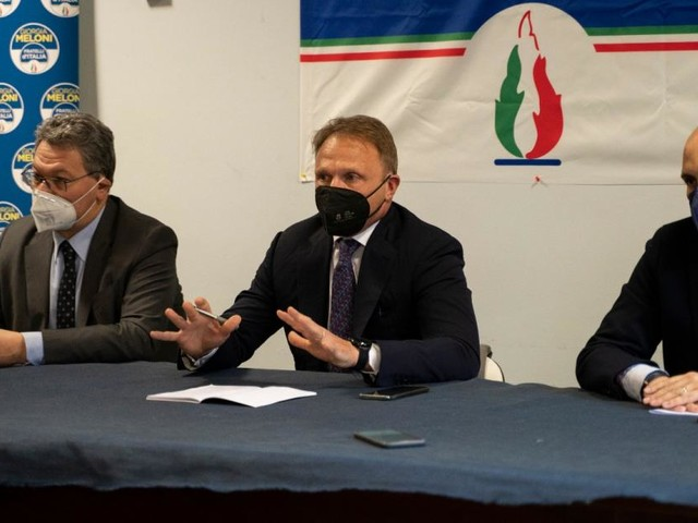 """Fratelli d'Italia in pressing su Gelmini: """"Perché non far ripartire attività all'aperto?"""""""
