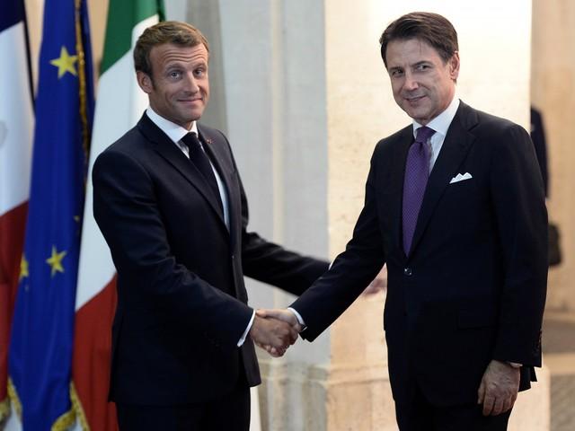 Da Conte e Macron solo parole. Ma intanto i migranti sbarcano