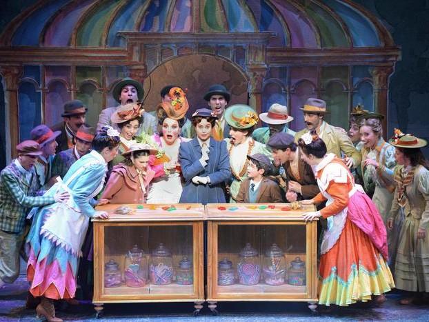 Pennelli e magie per arrivo Mary Poppins