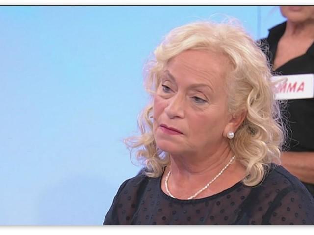 Uomini e Donne, Angela umiliata da Benny lascia la trasmissione in lacrime