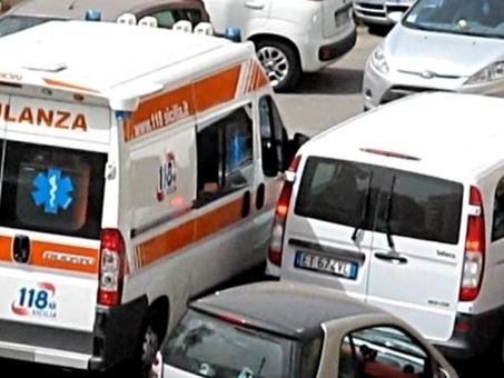 Roma, bambino di 10 anni si sente male sulla Colombo e muore: il traffico era paralizzato