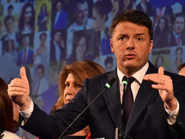 """""""No al voto"""", Renzi e l'appello alla politica"""