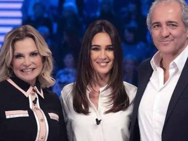 """Verissimo, il volto di Simona Ventura non convince i fan: """"È rifatta?"""""""