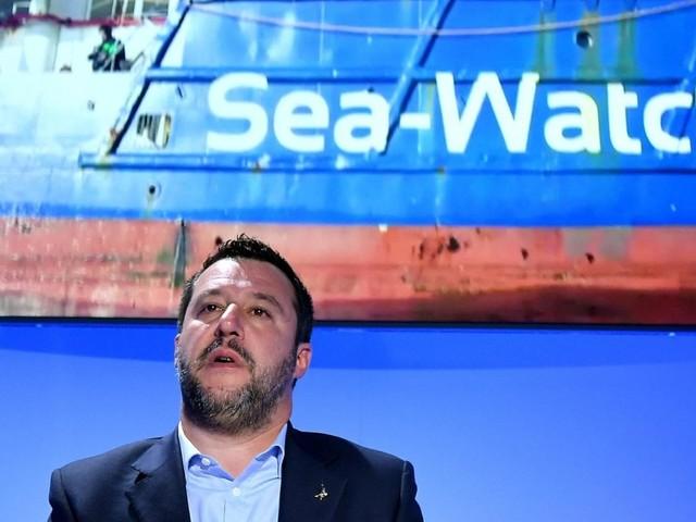 Trappola in alto mare, così Salvini vuole neutralizzare le ong