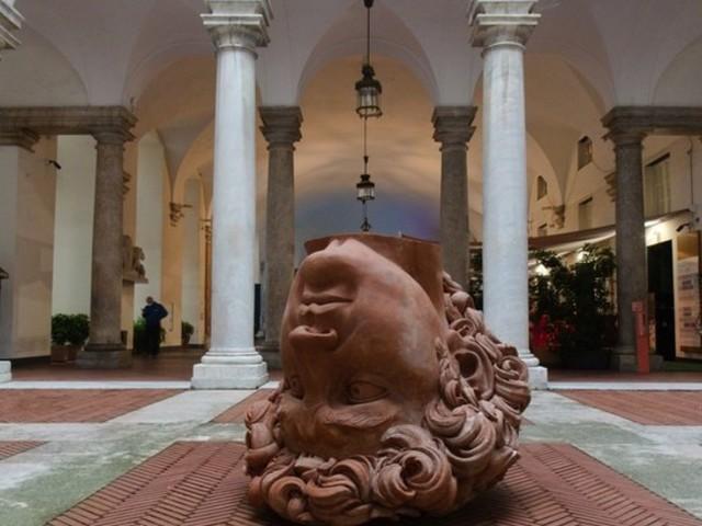 Viaggio all'interno di Palazzo Ducale a Genova che 'resiste' alcovid