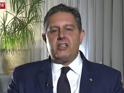 """Giovanni Toti, la strigliata ai big di Forza Italia: """"Nuovo partito, o ci consumiamo come una candela"""""""