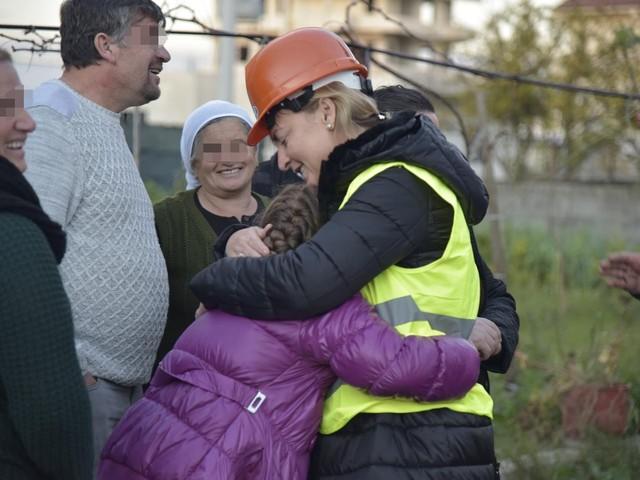 La sindaca di Durazzo fa una gaffe sul sisma e si gioca la poltrona