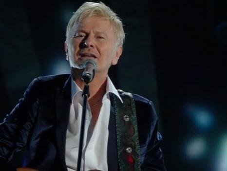 Ron a Sanremo 2018, il video di Almeno Pensami nell'ultima serata di Festival…ma lui è senza microfono