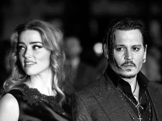 Strisce di cocaina sul tavolo di Johnny Depp, è di Amber Heard la foto che accusa l'ex marito