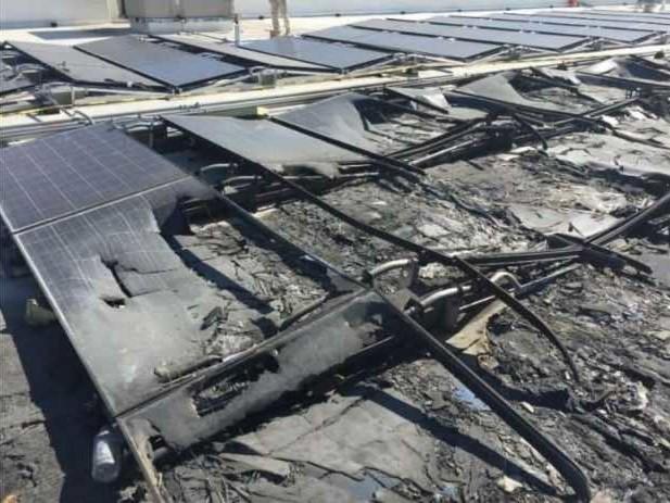 Tesla in tribunale: i pannelli solari prendono fuoco