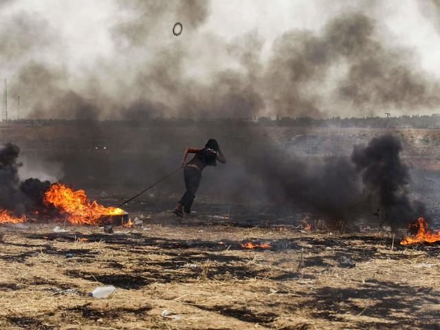 Medioriente, raid di Israele su Gaza dopo il lancio di razzi: dimezzato anche il gasolio