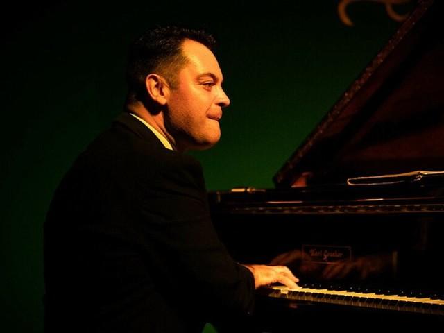 """""""Per colpa del Covid si era messo a fare il fattorino"""". Lutto nella musica: se ne va uno dei più grandi pianisti italiani"""