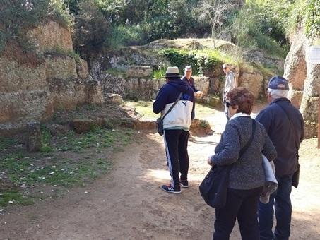 Nella necropoli di Cerveteri fuori uso le tombe ?parlanti?: delusione tra i turisti