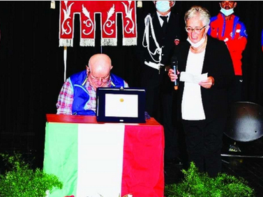Il premio Solidarietà alpina a Teresina Monegatti Casanova di Peio, la Signora del «Vioz»