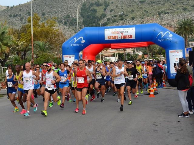 "Podismo, oltre 900 atleti alla ""Palermo International Half Marathon"""