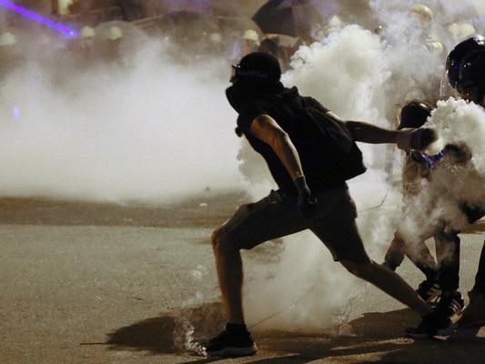 Il lunedì nero delle proteste a Hong Kong