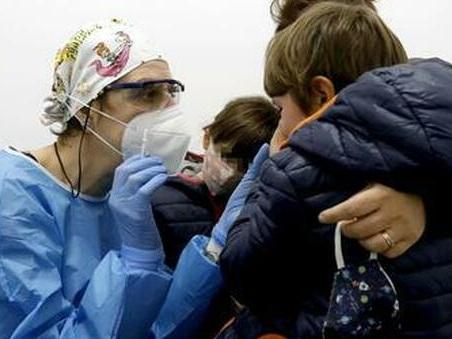 Long Covid nei bambini: sintomi, come riconoscerlo e quali cure sono necessarie. Le indicazioni dell'Iss