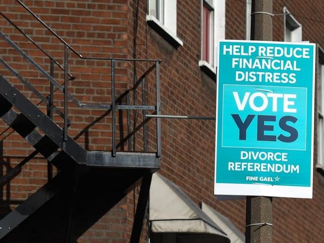 L'Irlanda al voto anche per il referendum sul divorzio