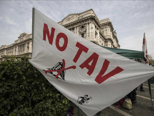 Tav e Tap: il M5S spinge per bloccare tutto ma Salvini frena