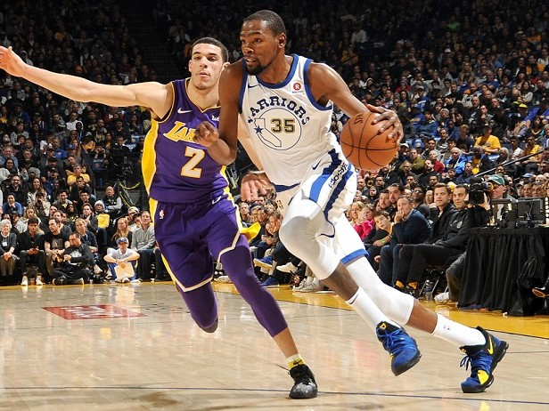 Warriors forza 11, Lakers ko e primo posto a Ovest